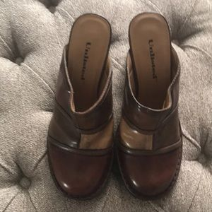 Unlisted by Kenneth Cole Brown Patchwork Mules